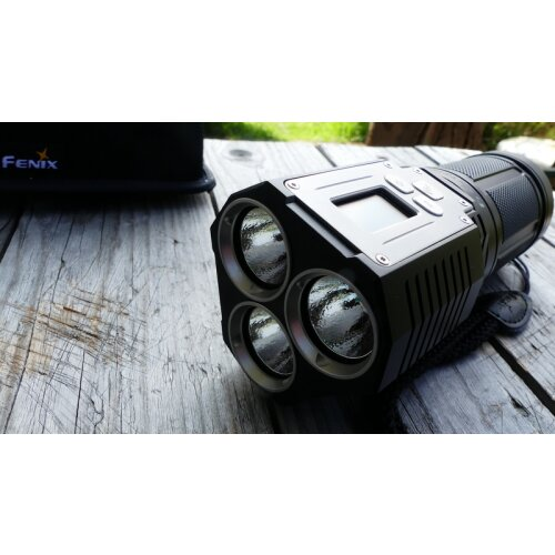 FENIX Taschenlampe TK72R Cree XHP70 LED Super hell Smart Flashlight 9000 Lumen (ANSI/PLATO FL1) USB Powerbank Display